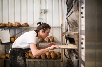 Memanggang-Roti.jpg