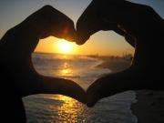 Hasil gambar untuk Jatuh Cinta dengan Bisnis